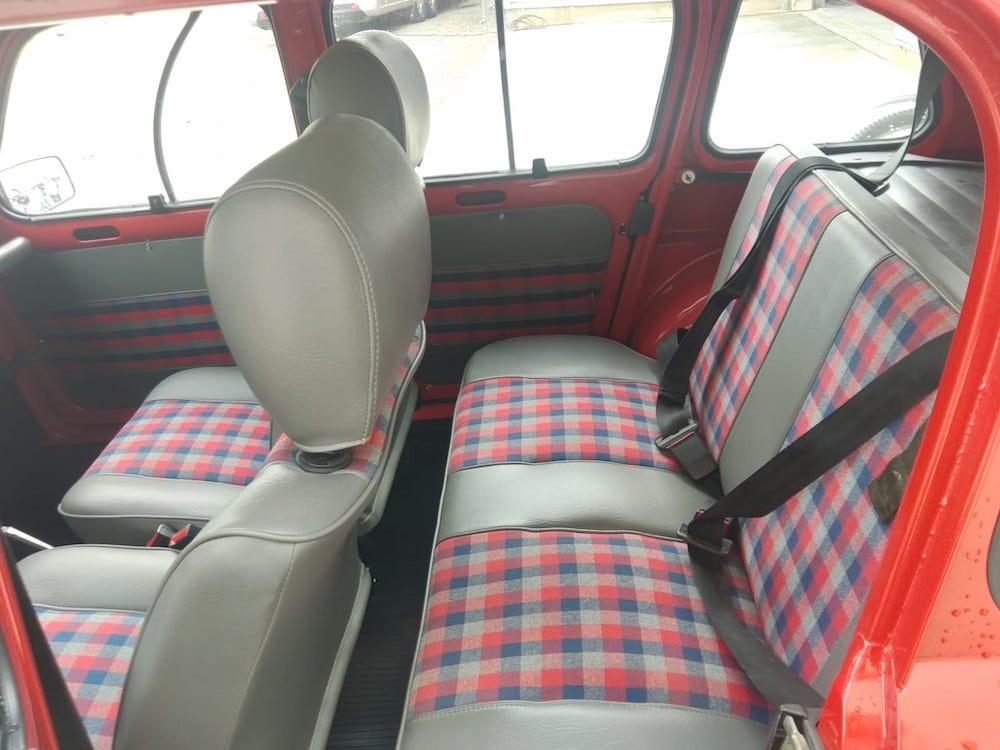 restauration Renault 4L sieges atelier cvdc