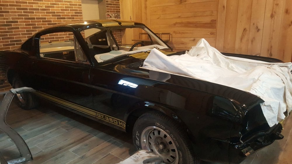 restauration voiture ancienne ford mustang 1966 3