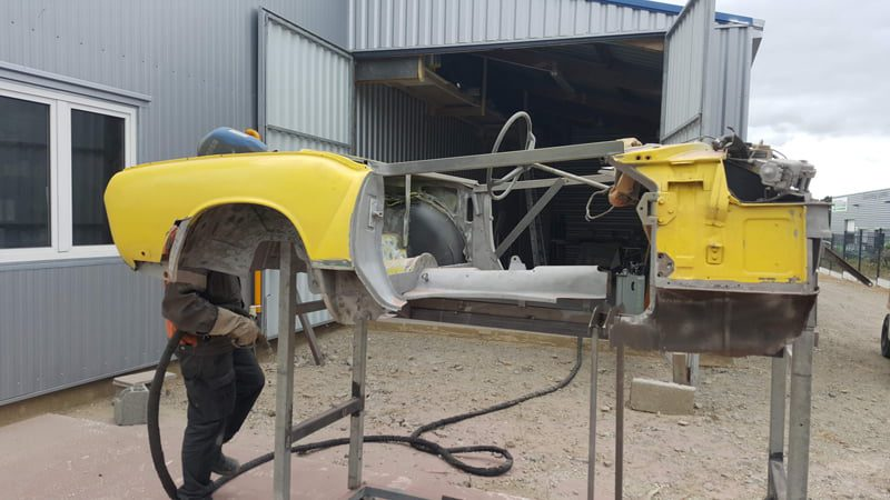 AtelierCVDC Aerogommage de caisse partie grise apres aerogommage