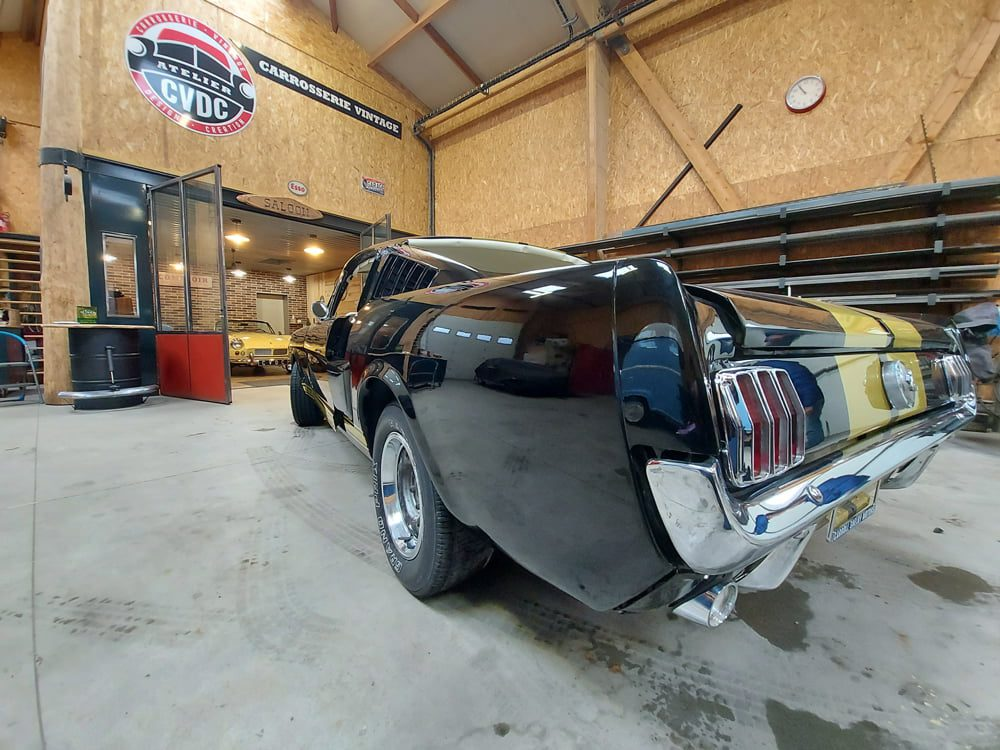 Restauration Ford Mustang Fastback arriere