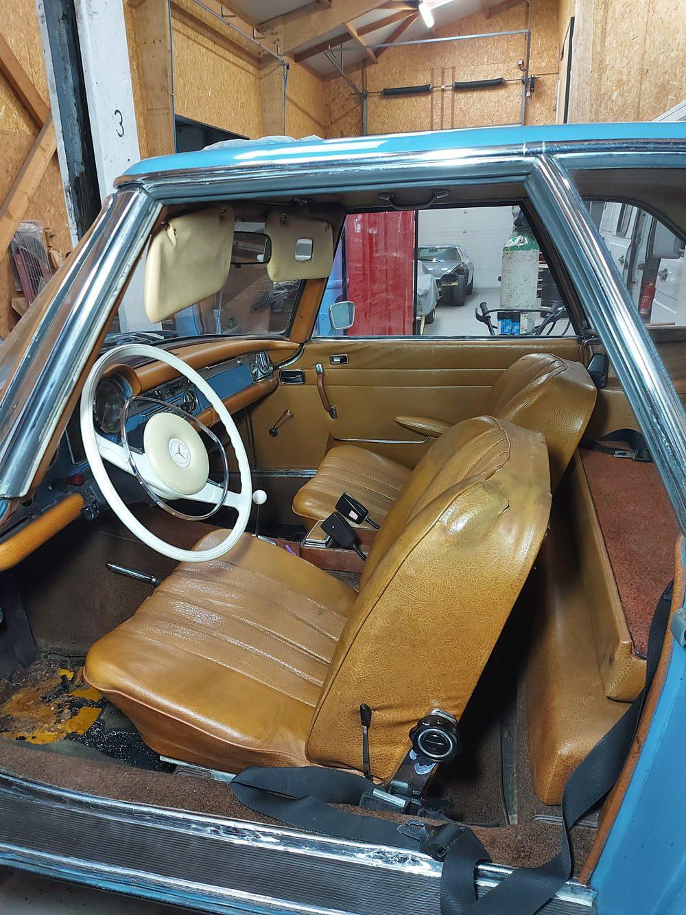 restauration mercedes benz 280 SL pagode interieur cuir