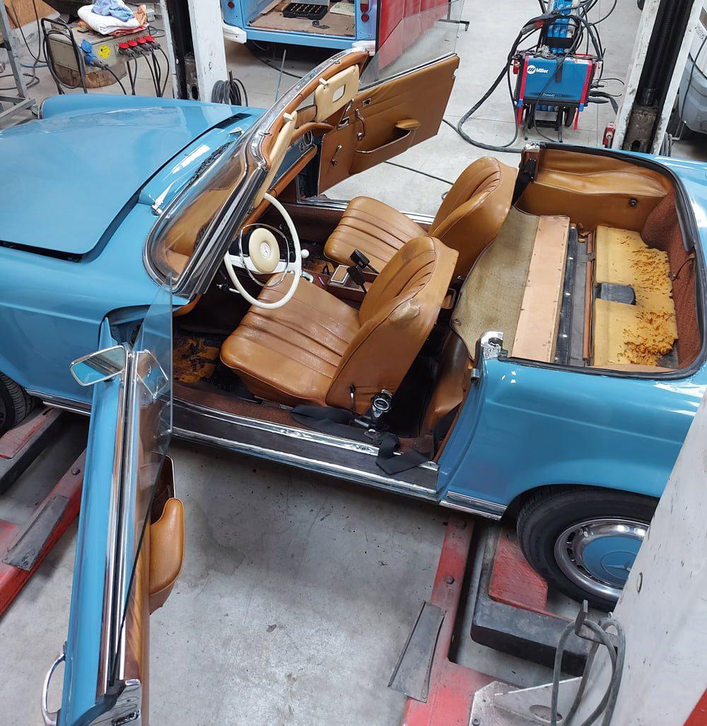 restauration mercedes benz 280 SL pagode interieur
